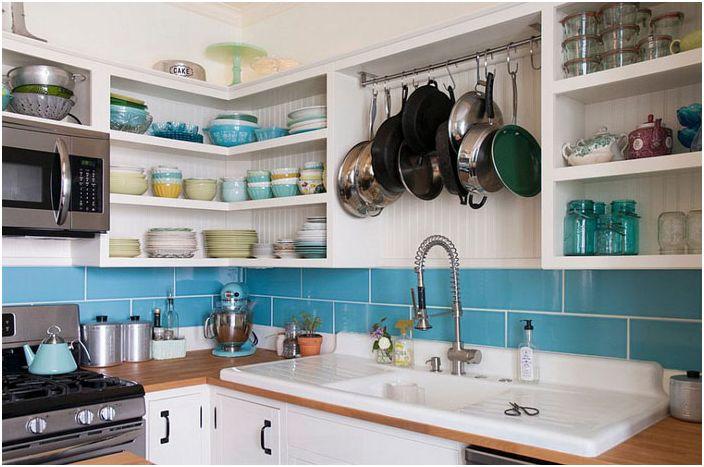 Интерьер кухни в эклектичном стиле