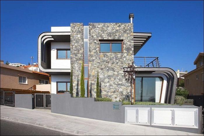 Laiki Lefkothea е къща с оригинална динамична фасада.