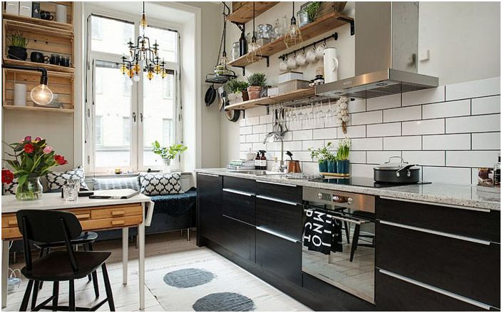 Кухня в скандинавски стил с плаващи рафтове