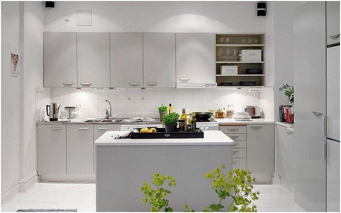 Правилно кухненско осветление в бяло