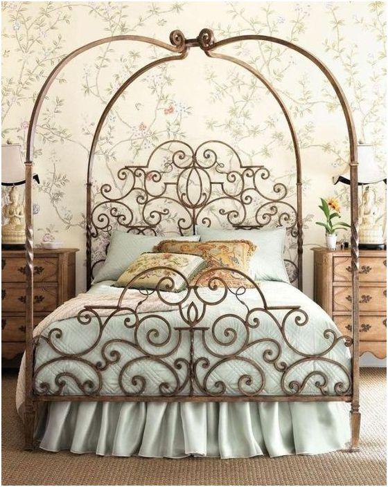 Kute łóżko we wnętrzu
