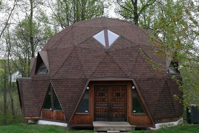 The domed house is an energy-efficient building.