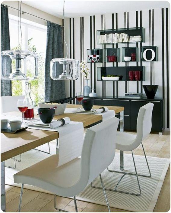 Прозрачни мебели в трапезарията