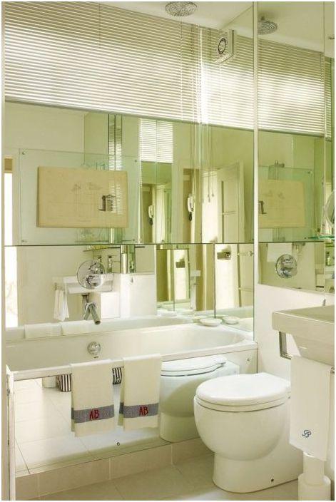 Зеркальная отделка совмещённого санузла