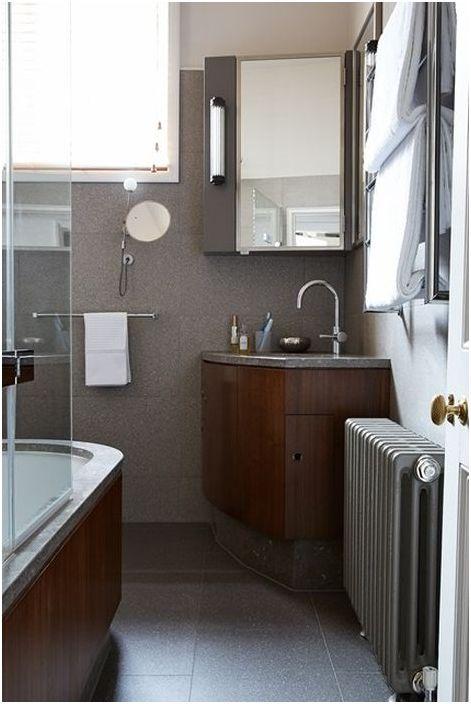 Ъглова мивка в малка баня