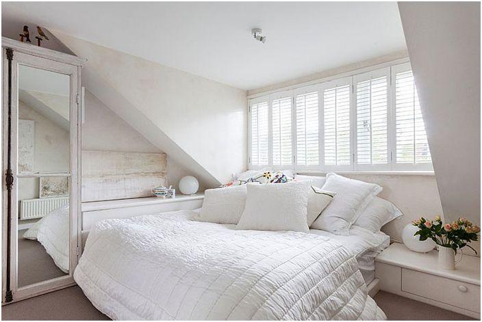 Уютна изискана шик спалня с женствена вибрация