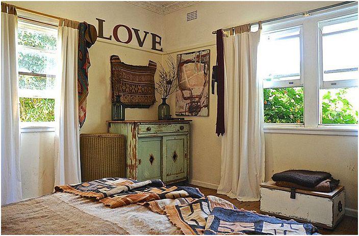 Интериор на спалнята от 5 източни интериора
