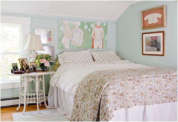Уютна изискана шик спалня