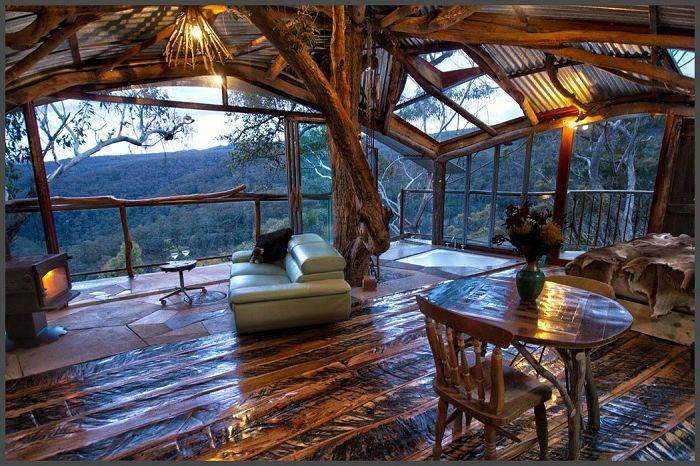 La cabane dans les arbres de Wollemi Wilderness est une destination de lune de miel romantique.