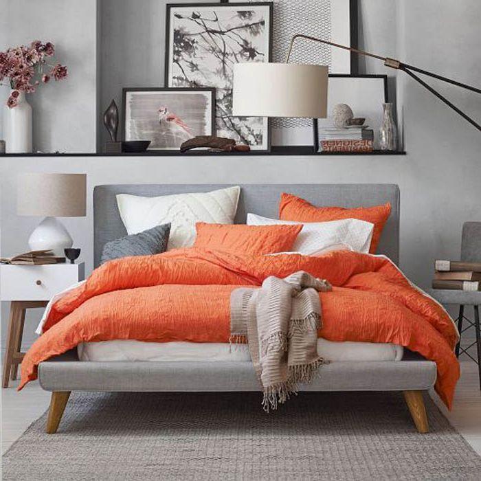 Жизнерадостный Танжерин в интерьере спальни.