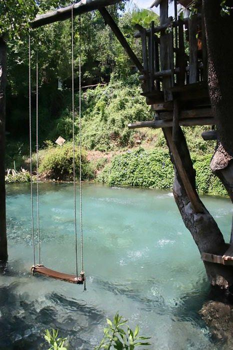 Niezwykły basen, w którym można pływać z całym towarzystwem.