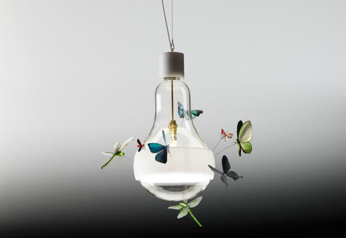 Крушка за пеперуда от Инго Маурер.