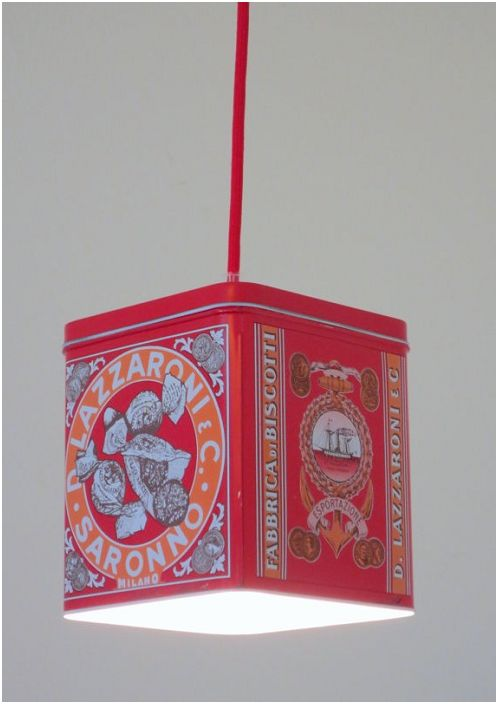 Обычная жестяная банка может быть использована в качестве идеальной основы для светильника.