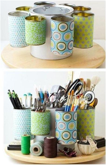 Un organisateur de papeterie simple mais beau sera utile dans chaque maison.