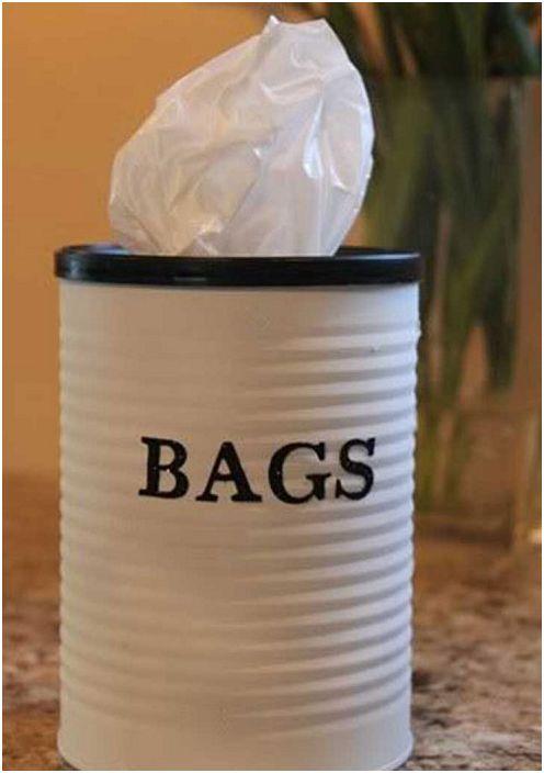 Belle boîte pour ranger les sacs, simple et belle.