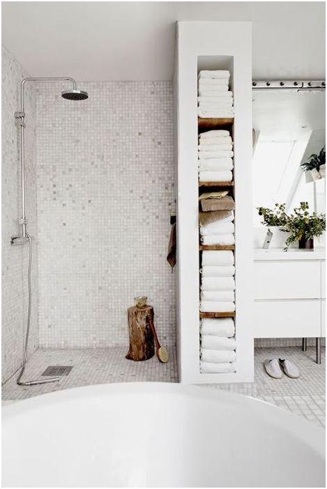 Biały prysznic