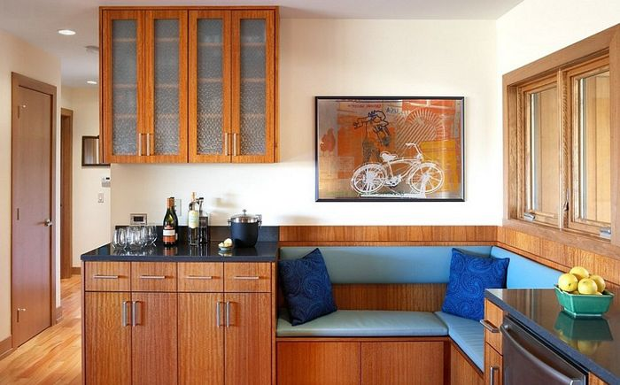 В малка кухня има място за мек ъгъл