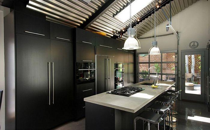 Кухненски интериор в черно от Renovation Design Group