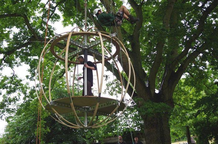 Le cadre sphérique de la tente Tree de Luminair.