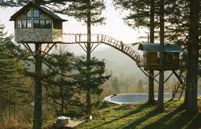 Domki na drzewie są ucieleśnieniem marzeń z dzieciństwa.