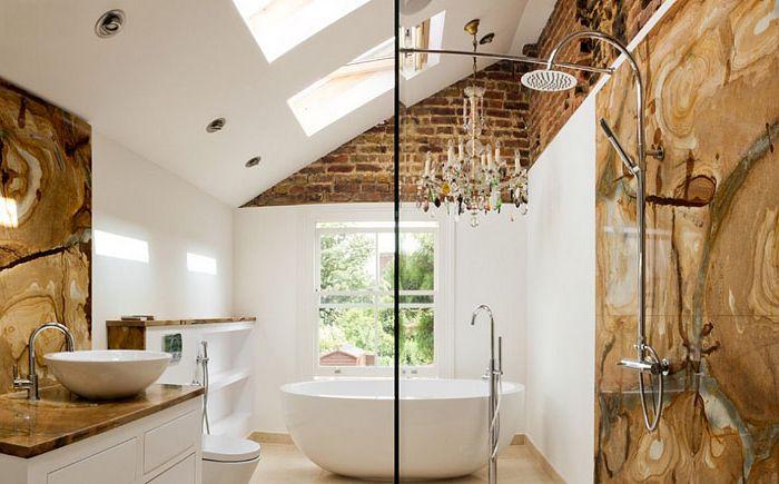 Mieszanka tekstur w nowoczesnej łazience autorstwa Tyrrell i Laing International