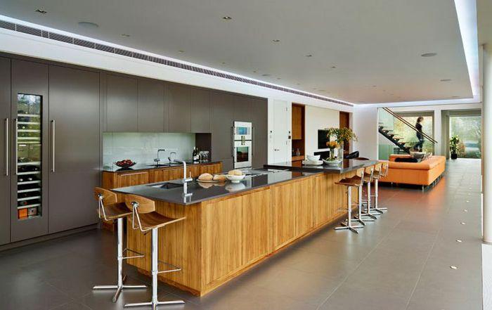 Wnętrze kuchni autorstwa DYER GRIMES ARCHITECTS