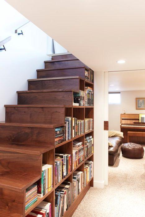 Идея номер 10. Съхранение на книги под стълбите