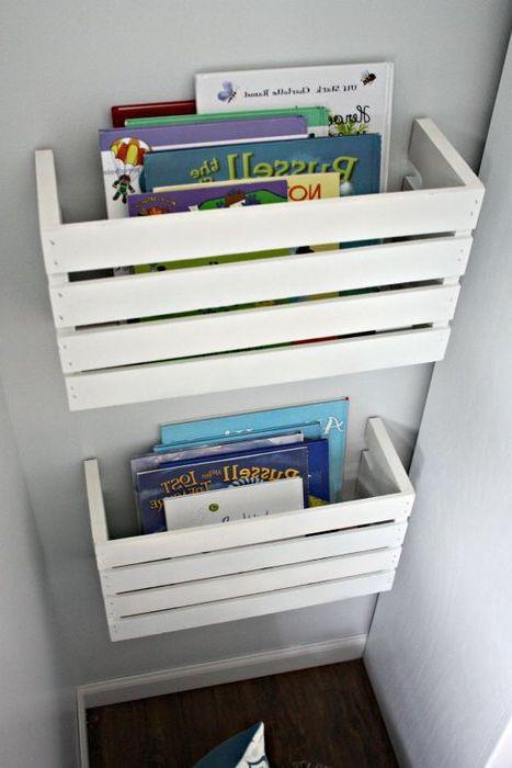 Идея номер 17. Старите дървени кутии могат да се използват за съхраняване на книги.
