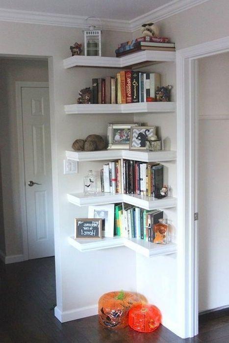 Идея номер 2. Ъгловите рафтове спестяват място в малък апартамент