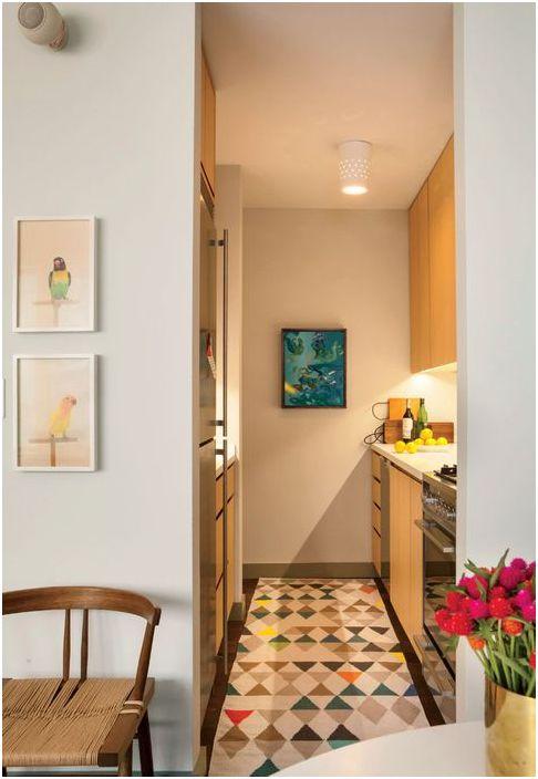 Интерьер проходной кухни