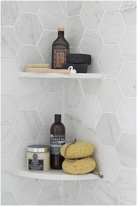 11. Étagères d'angle dans la salle de bain