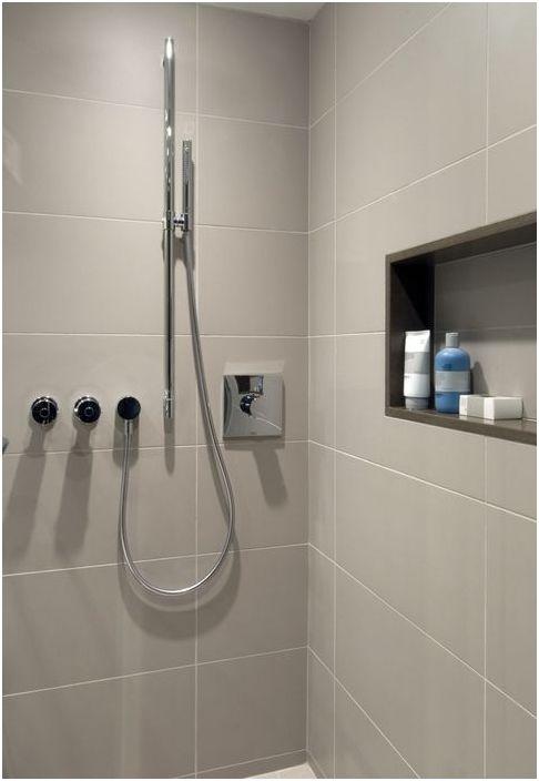 2. Niche sous la douche