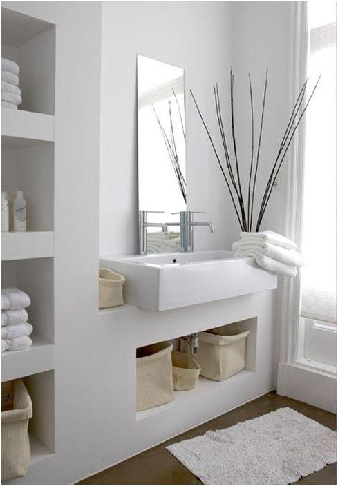 6. Практичные глубокие ниши в ванной