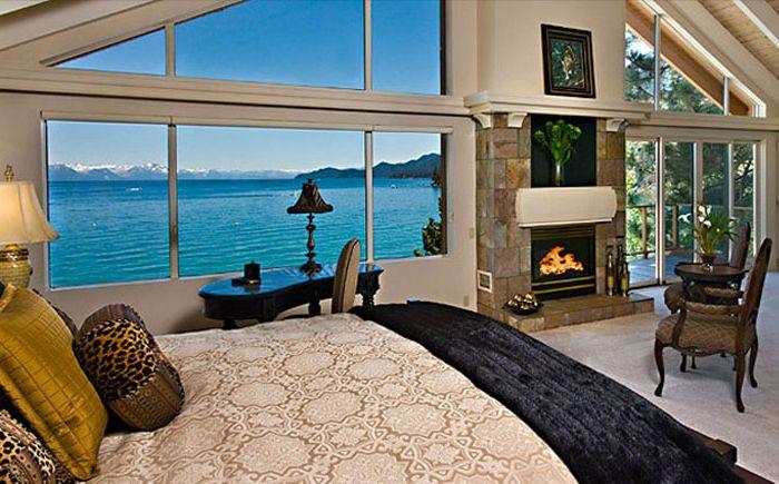 Спальня с видом на озеро Тахо