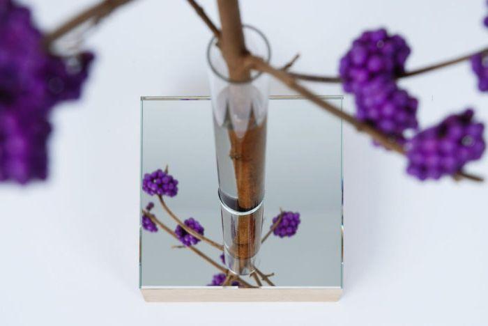 Оригинална ваза за цветя от Thier & VanDaalen.