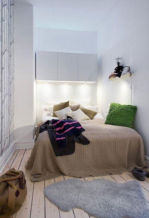 Източници на изкуствено осветление в спалнята.
