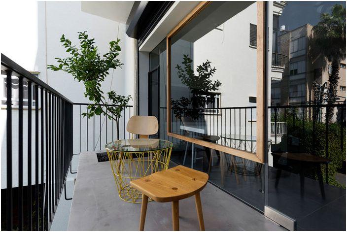 Przestronny balkon