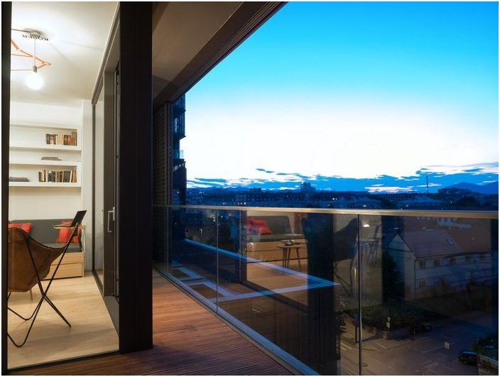Алпите се виждат от прозорците