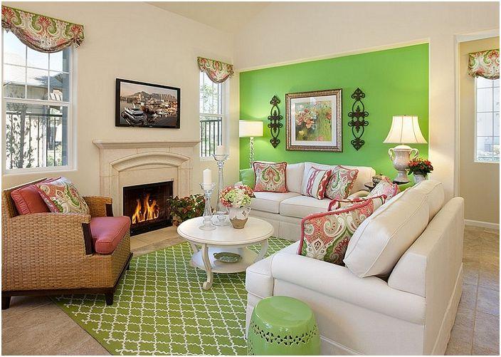 Комбинацията от бледо бежово и ярко светло зелено в интериора на хола е необичайна и в същото време практична.