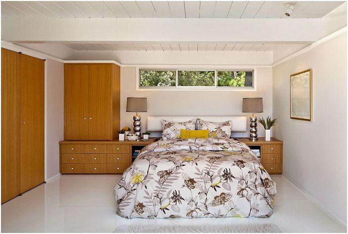 Makuuhuone neutraaleissa väreissä