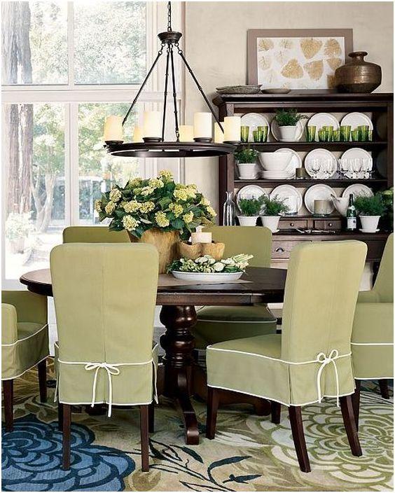 Les housses de chaise aideront à rafraîchir l'intérieur de la cuisine