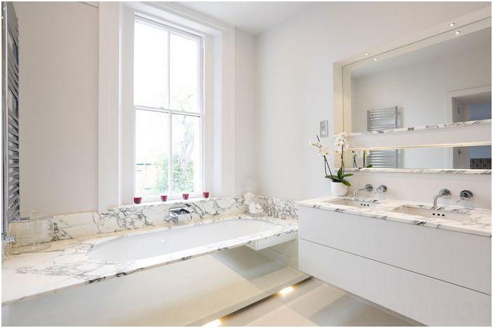 Wnętrze łazienki autorstwa Arc8 Projects Ltd.