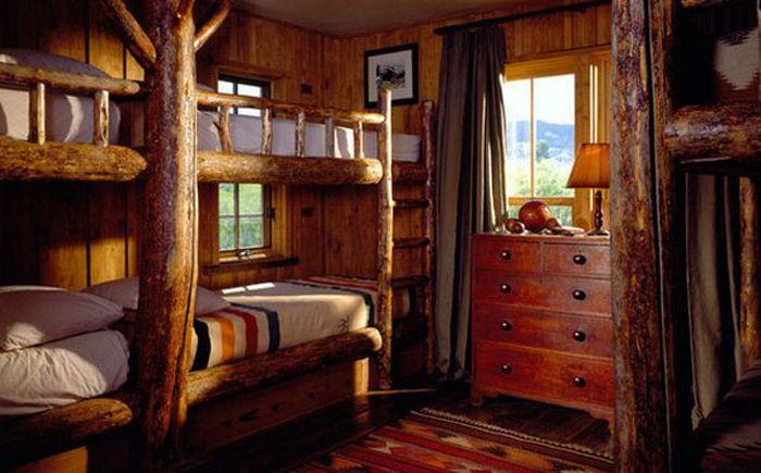 Двуетажни дървени легла
