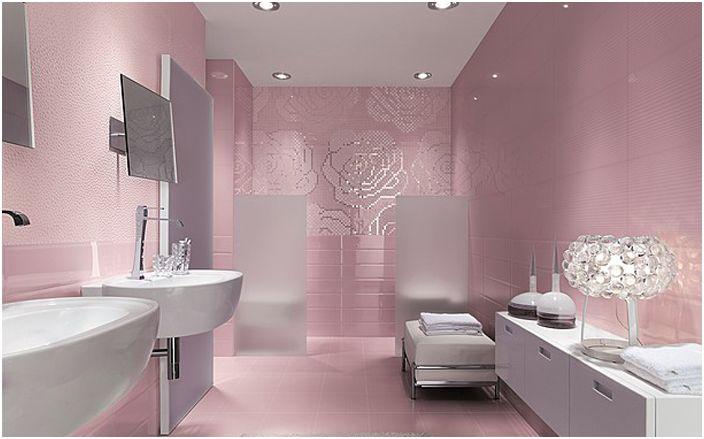 Интериор на банята в розови цветове