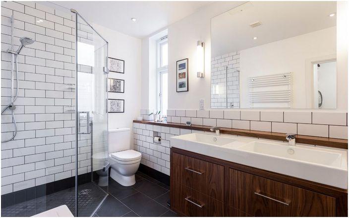 Интериор на банята в модерен стил