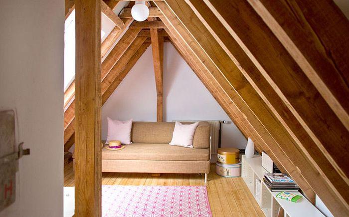 Apró nappali a tetőtérben
