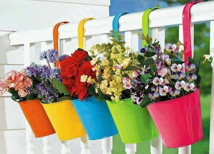 Красиви саксии за цветя за балкона