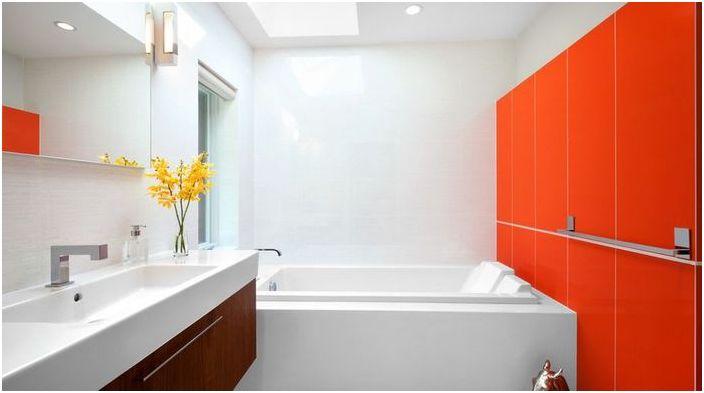 Оранжев цвят в интериора на банята