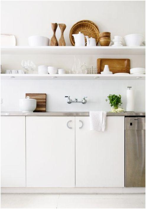 Отворени рафтове в кухнята