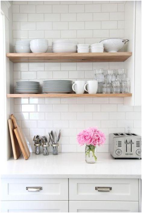 Бюджетна алтернатива на готовите кухненски комплекти